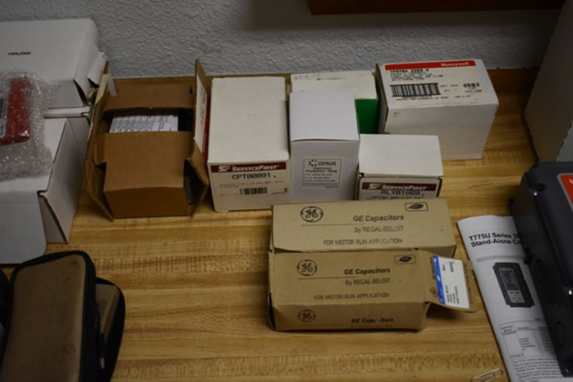 Lot 235 - HONEYWELL CONTROLLER CAPACITORS, PROBE THERMOMETER, LEAK DETECTOR, AMPROBE, MISC AS SHOWN