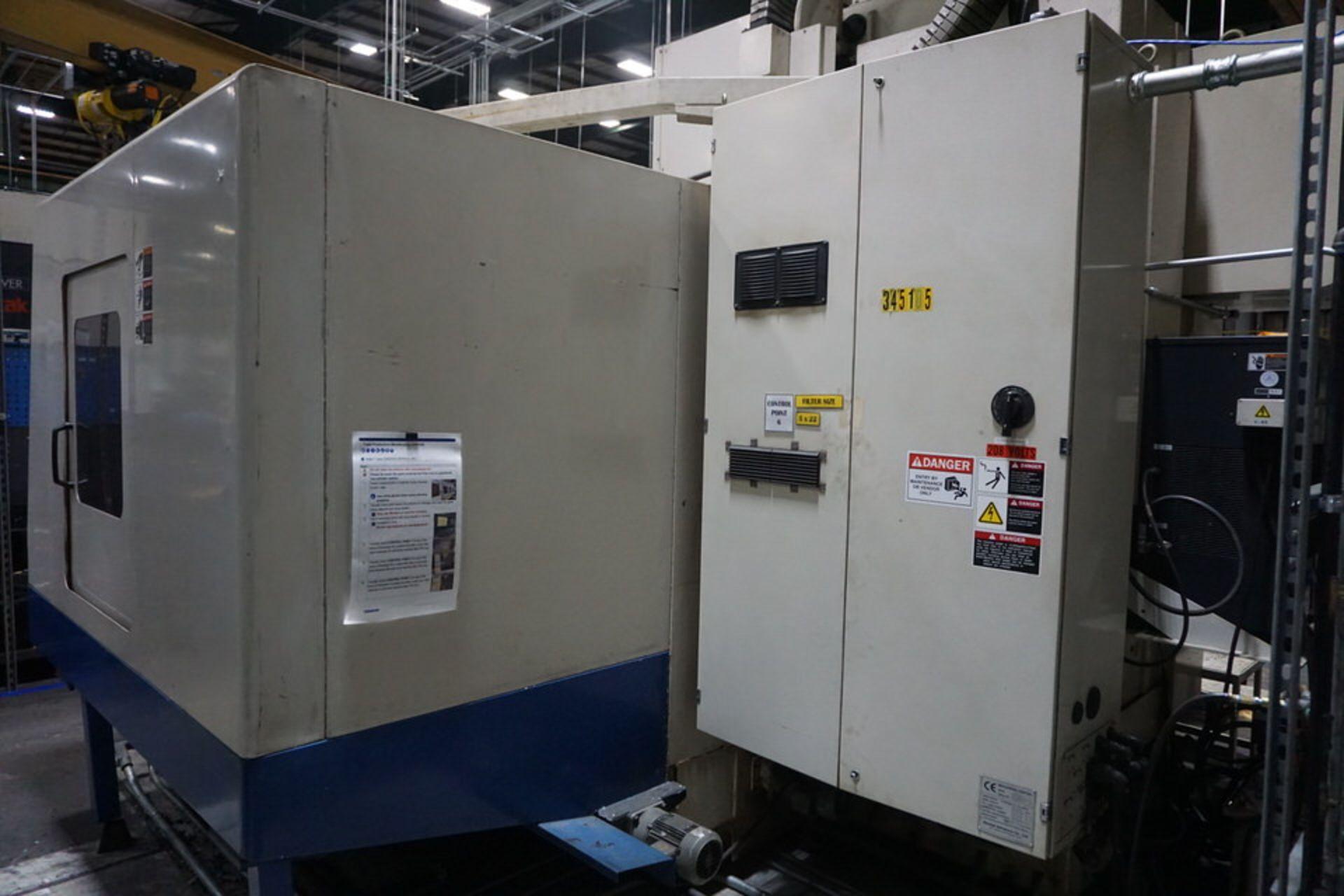 DAEWOO DMV8030S VERTICAL MACHINING CENTER (ASST#:P345105) - Image 4 of 10
