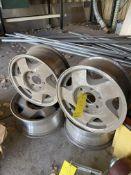(4) Wheels