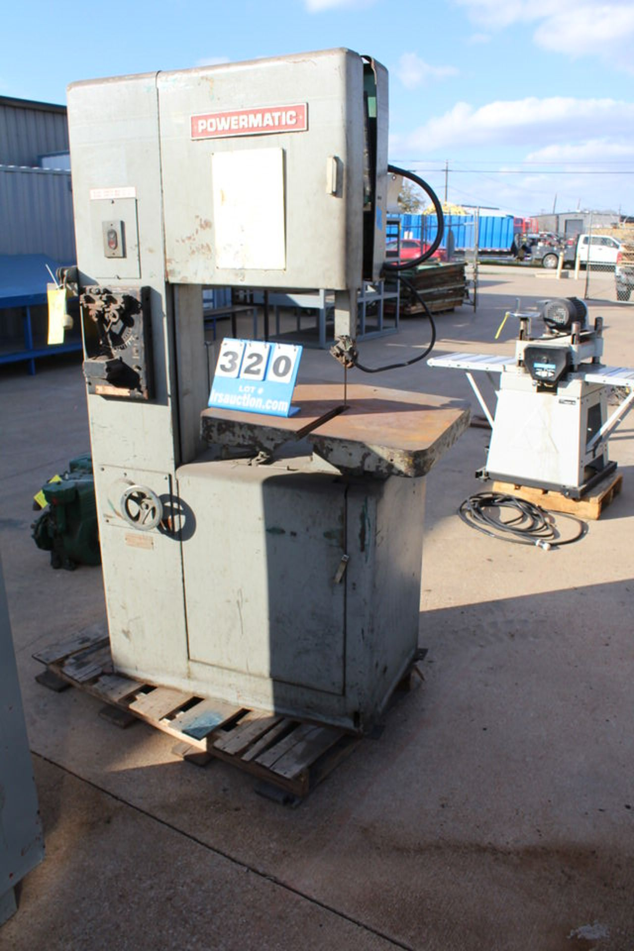 "POWERMATIC VERTICAL BANDSAW, 12' 7"" BLADE, 20"" THROAT"
