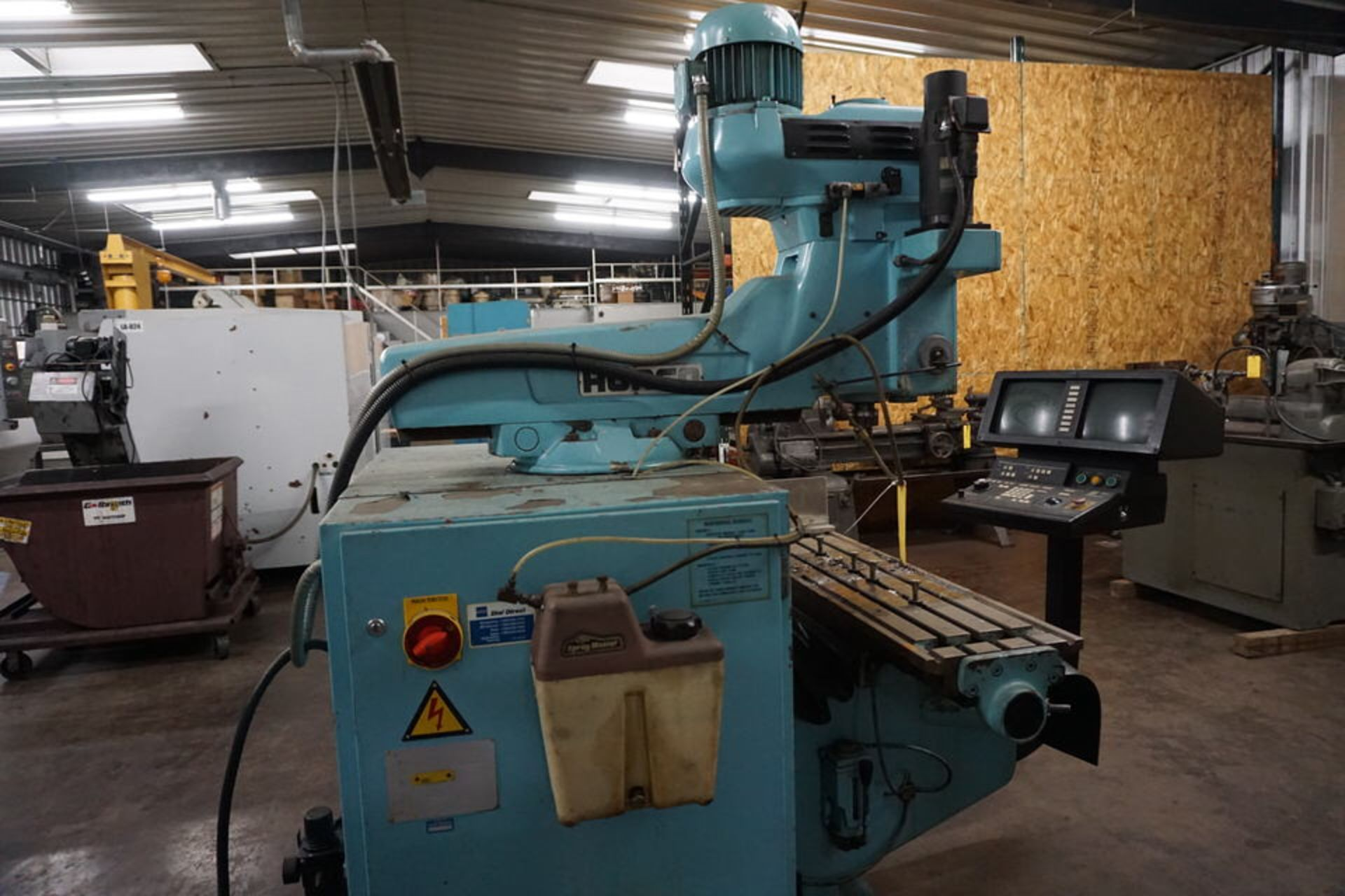 HURCO VERTICAL MILLING MACHINE W/ HURCO ULTIMAX KM-3 CONTROL - Image 3 of 6