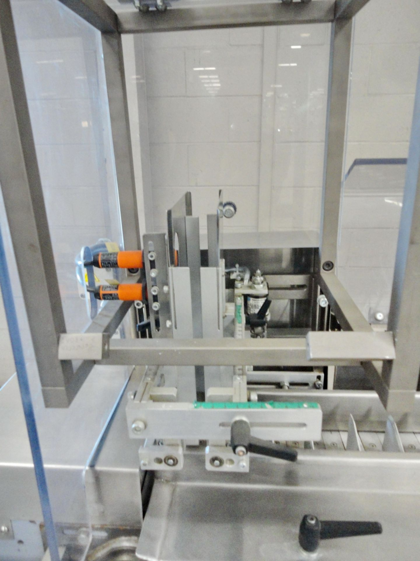 Lot 96 - IMA Horizontal Automatic Cartoner, Model IC-150, SN IC-150/46/2001