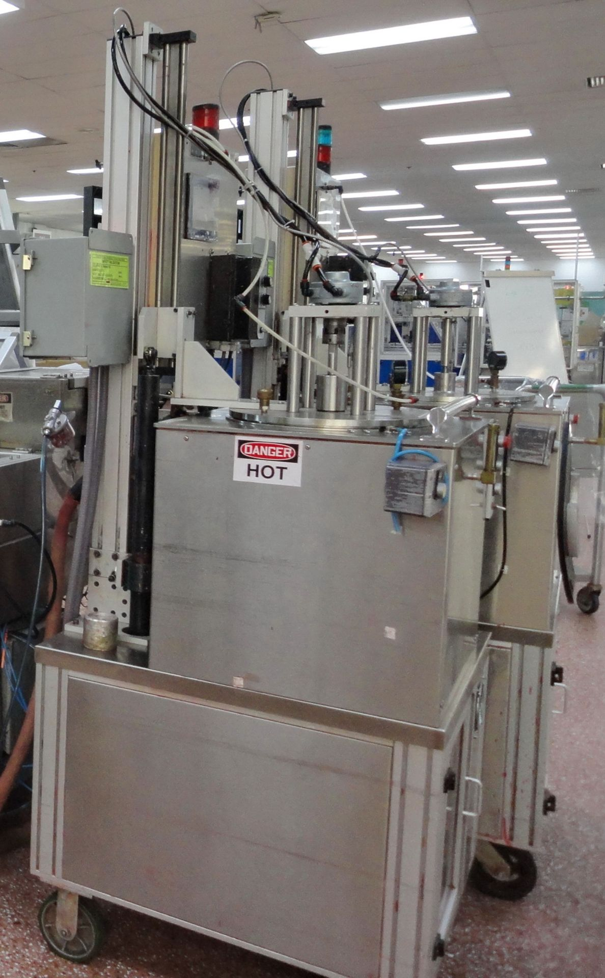 """Lot 7 - """"Cavalla type"""" (Cherry Burrell) Electrically heated, portable, jacketed, mixing and filling Kettle"""