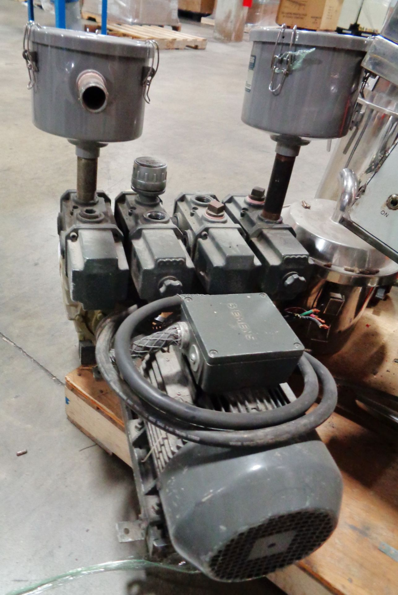 Lot 136 - Orion Dual Head Dry type Vacuum Pump, Model CBX62-ZA-G1/KRX7A P-5