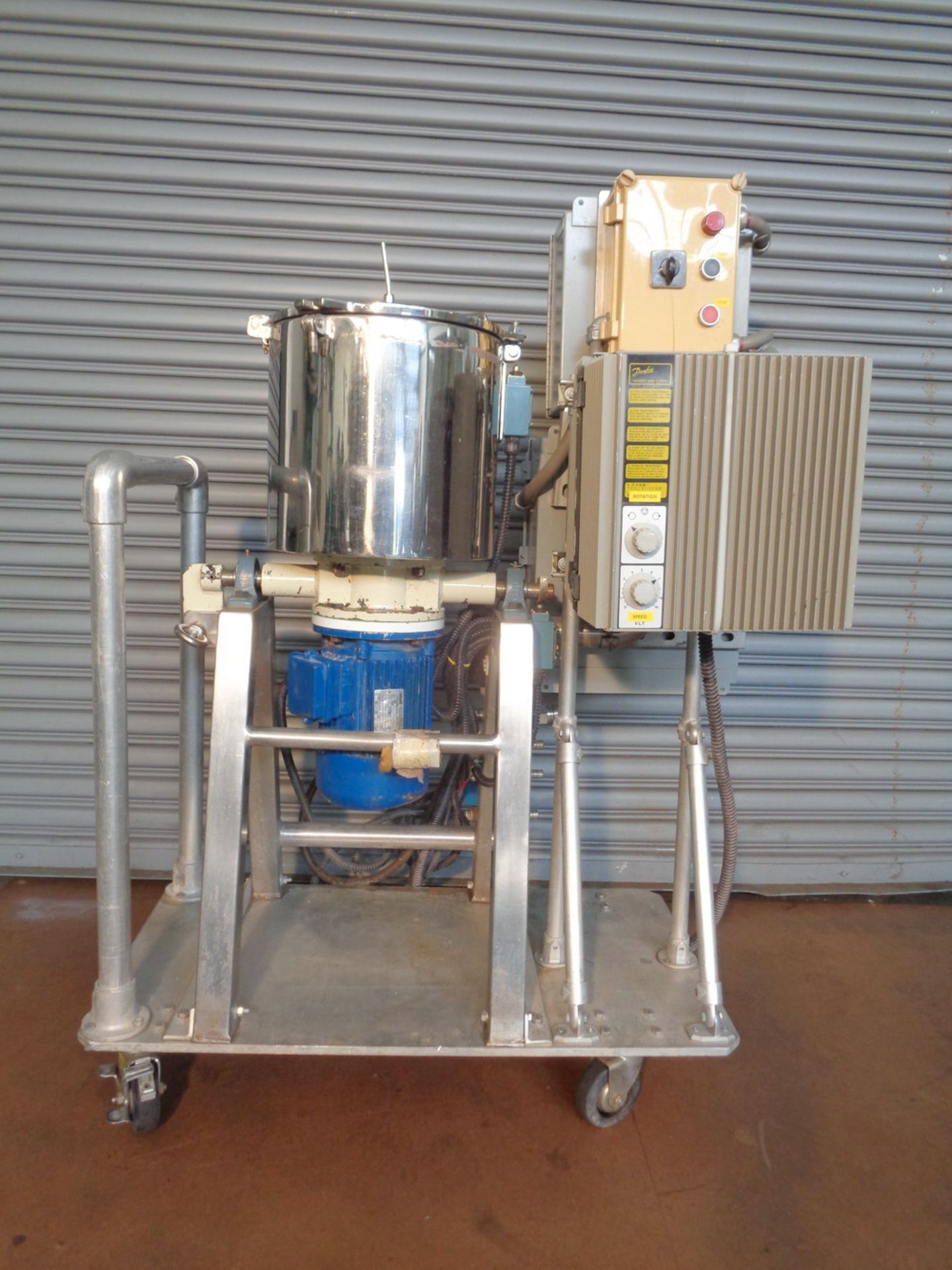 Lot 18 - Dosapak 5 gallon Stainless Steel Vertical Powder Mill