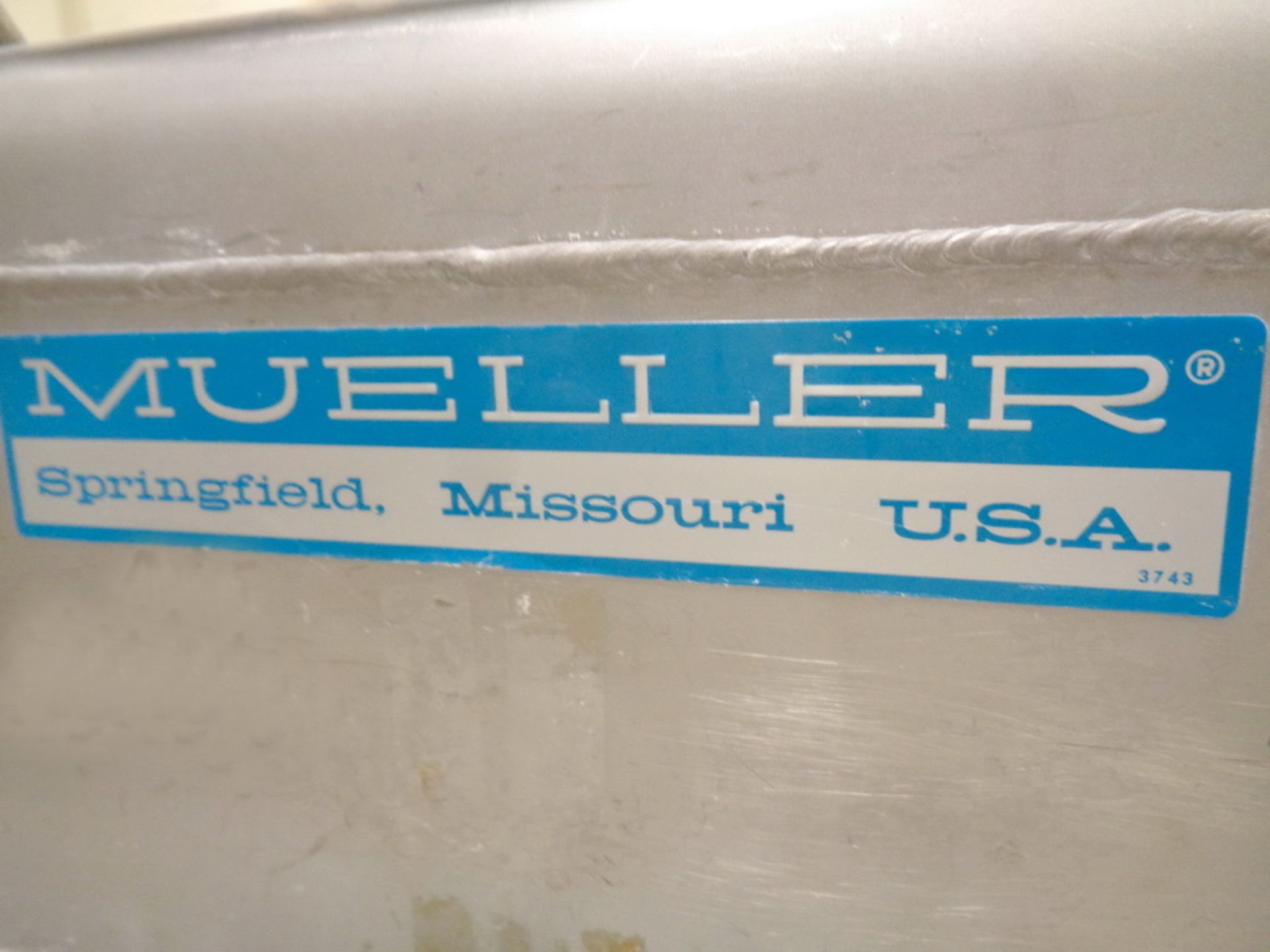 Lot 205 - Mueller Rectangular Stainless Steel Portable Powder Totes