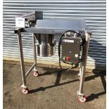 Quadro Stainless Steel Comil, Model 196