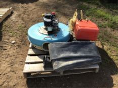 """6"""" Floating Water Pump c/w Discharge Hose & Gas Tank"""