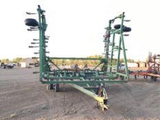 John Deere 1600 40ft Cultivator