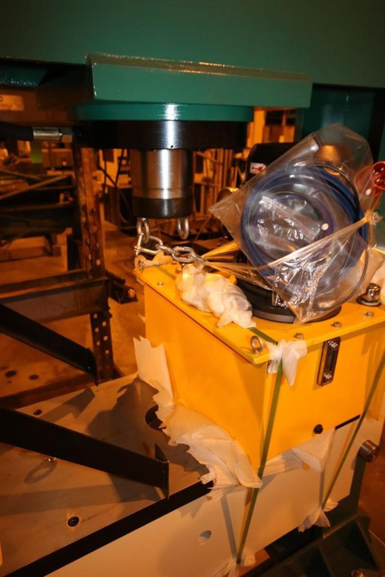 Lot 97 - NEW HPB Hydraulic Press/Bending Machine, HP-150 Series, with Hydraulic Pump and Reservoir (LOCATED