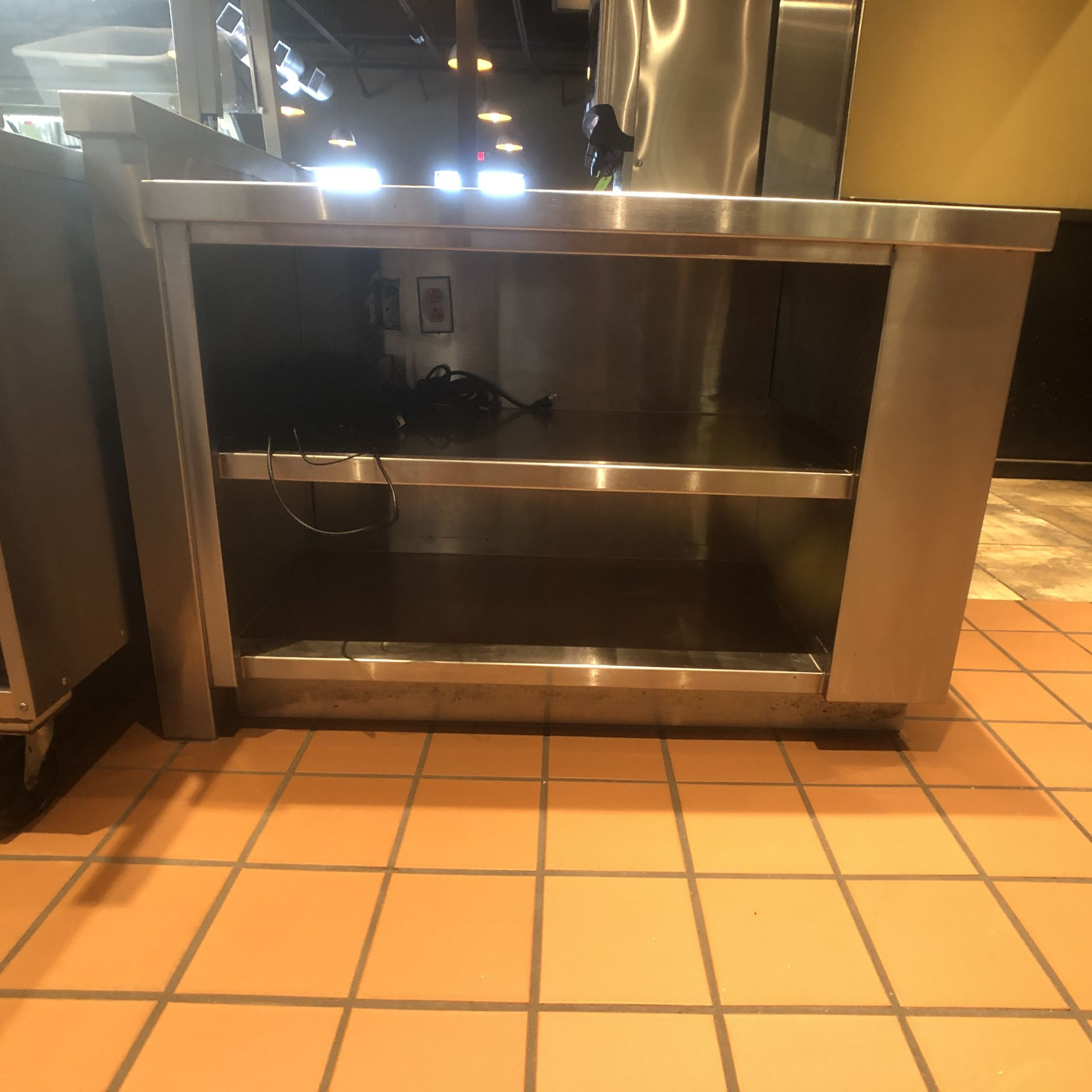 """Food Service Equipment Approx. 4' L x 2'8"""" W S/S Countertop with S/S Shelves, 120/208 V - Image 3 of 5"""