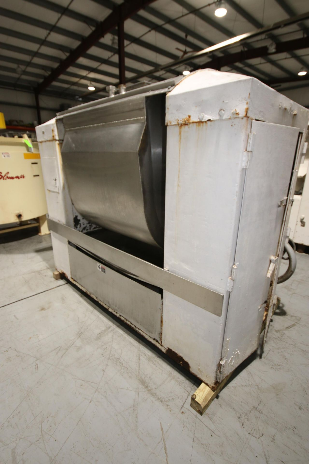 Lot 29 - Double Wall Single Arm S/S Dough Mixer, with 15/60 hp Bottom Mounted Motor, 885/1775 RPMs, with On