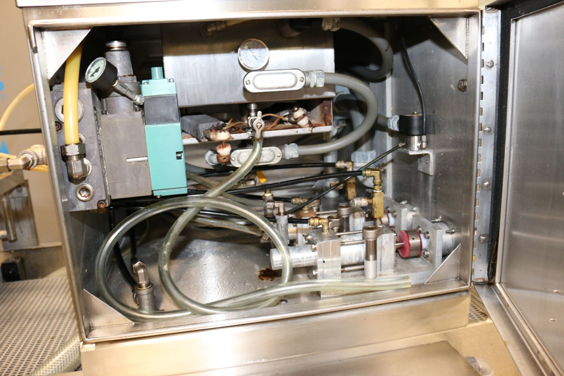 Lot 56 - Mallet S/S Cake Pan Greaser, M/N 400C-FT 91777, S/N 123-428, 460 Volts, 3 Phase, with Touchscreen