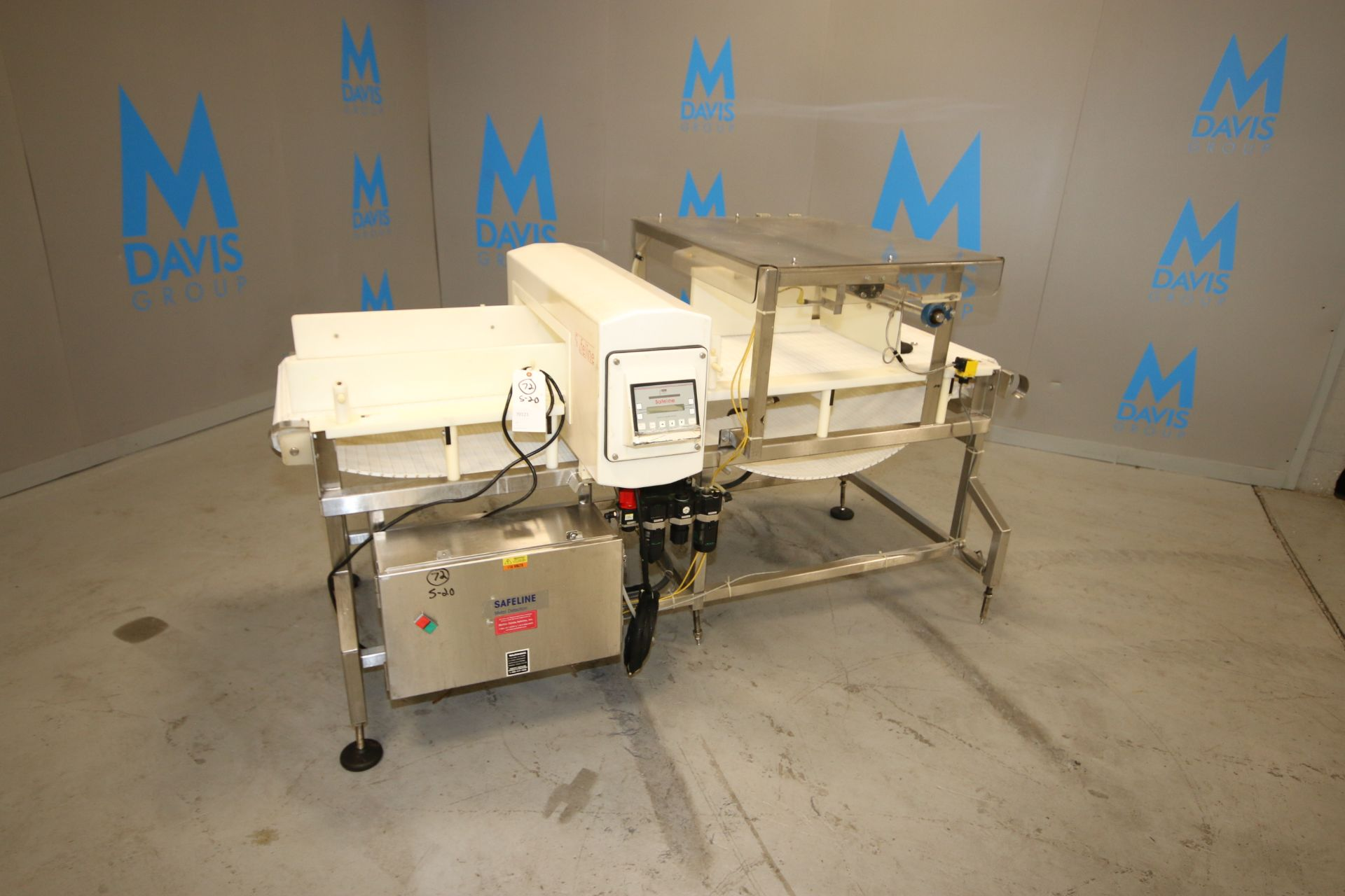 Lot 16 - Safeline Metal Detector, M/N SL2000, S/N 26058-01, with 115 Volts, 1 Phase, with Drive, with