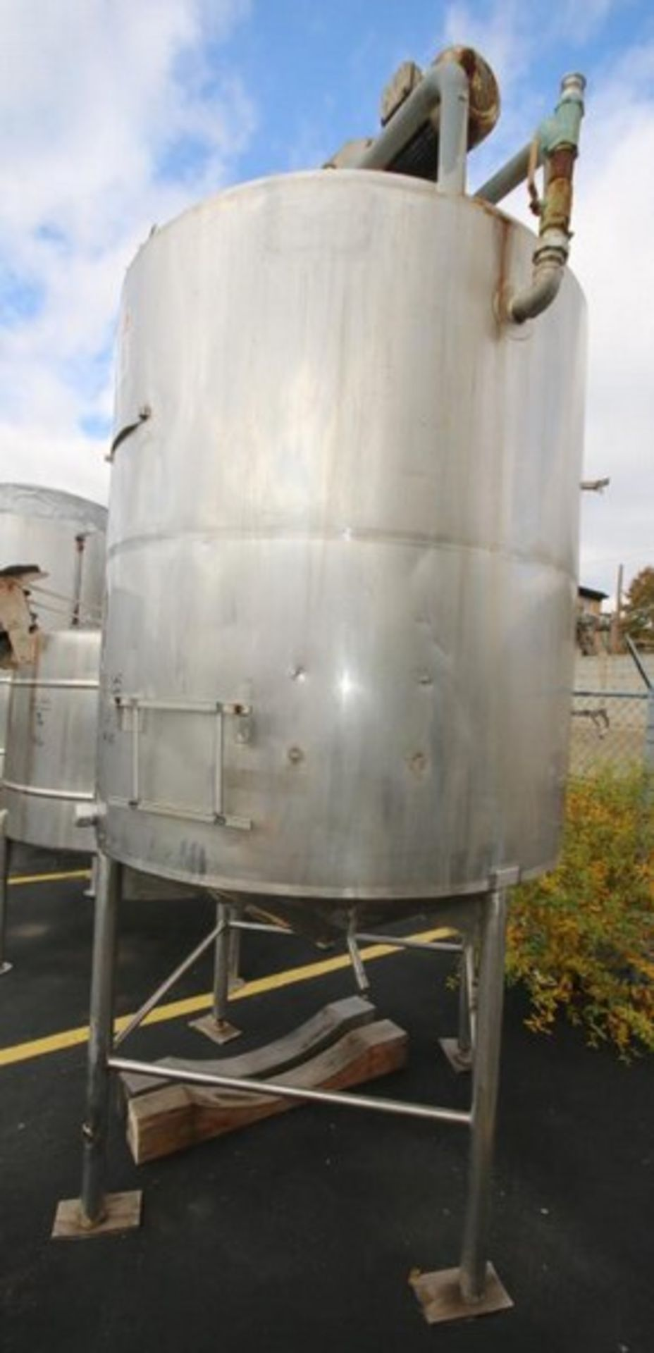 Lot 27 - Aprox. 1,000 Gal. S/S Jacketed Tank, Dome Top Cone Bottom, with 5/2.5 hp 1740/840 RPM Agitator, 460V