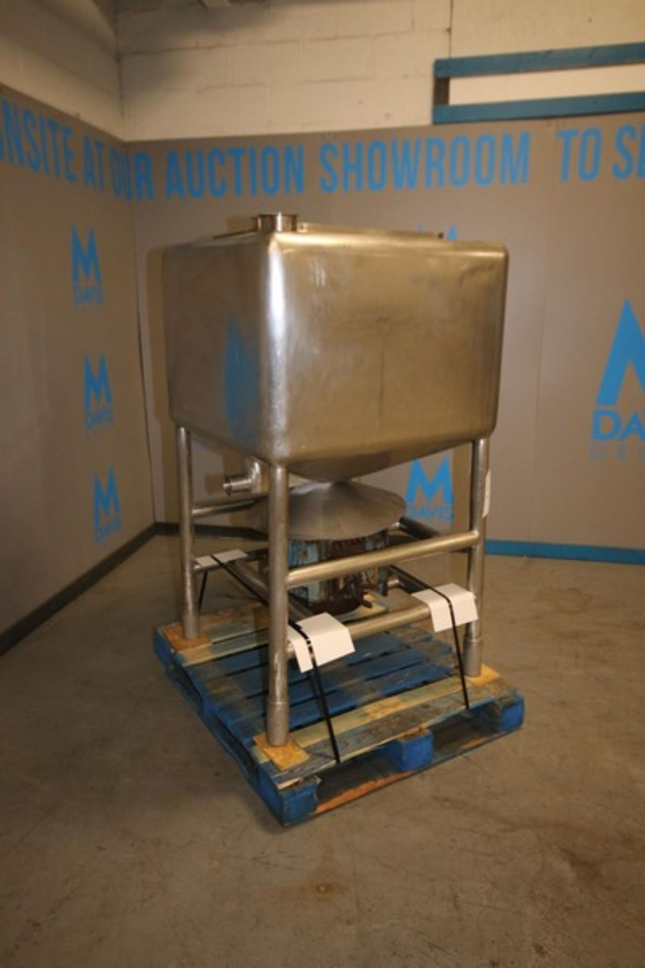 """Lot 5 - Norman Aprox. 150 Gal. S/S Liquifier / Blender, 4"""" & 1.5"""" CT Top Inlet Connections, 2.5"""" CT Side"""