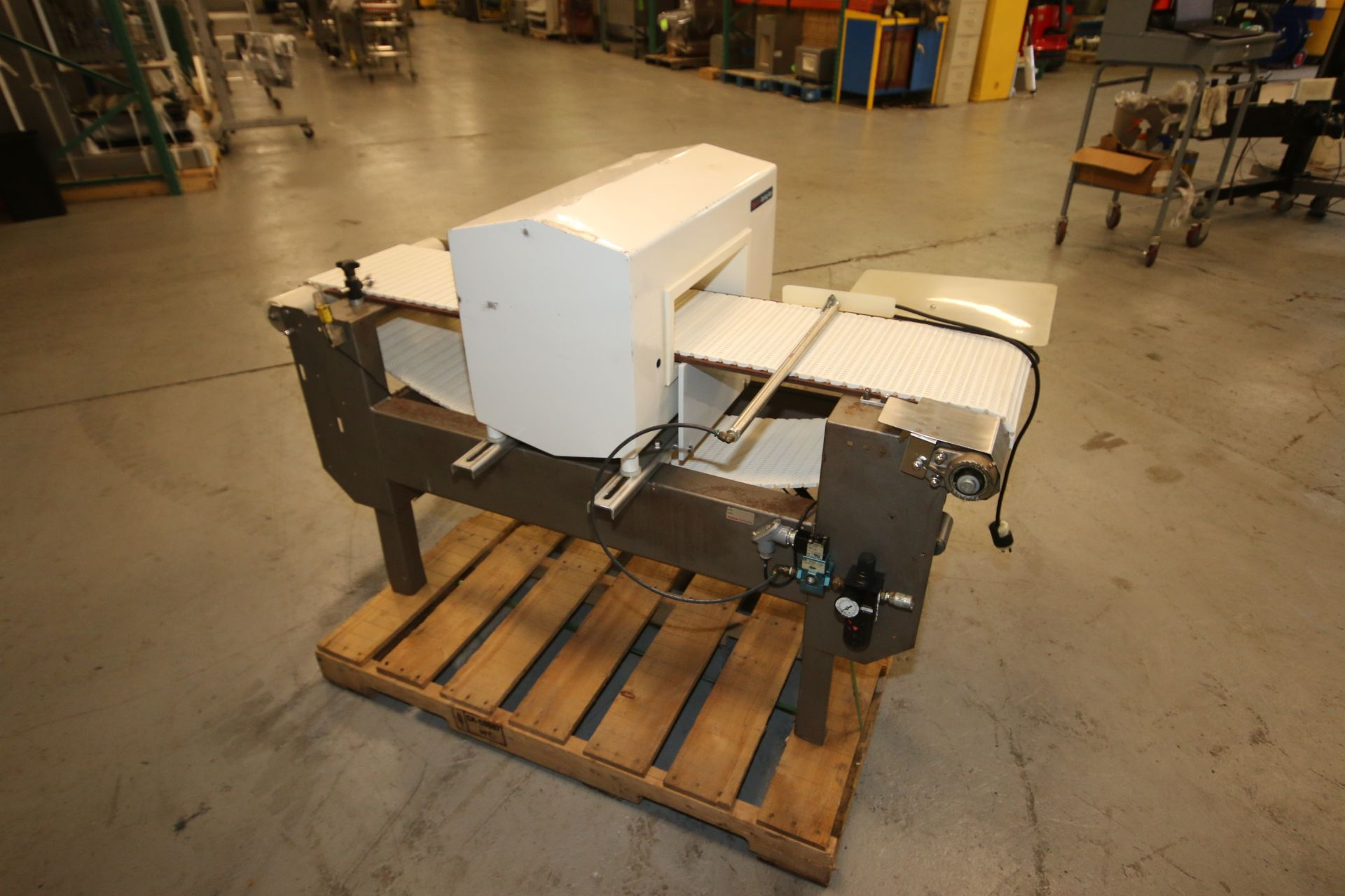 "Lot 17 - Goring Kerr Metal Detector, Type DSP2, S/N 59179-3, 110 Volts, 1 Phase, with Aprox. 14"" W x 5"" H"