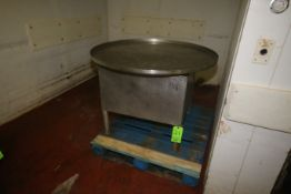 """S/S Accumulation Table, Aprox. 45"""" Dia. S/S Table Top, Manual (Located on 1st Floor--McKees Rocks,"""