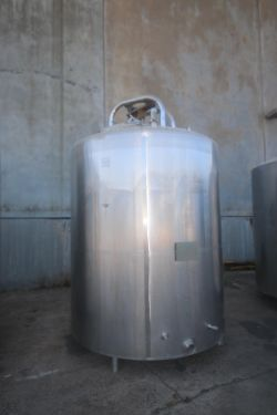DCI 2,000 Gal. S/S Vertical Processor, with Top Mounted Agitation Motor Mount, Mounted on S/S Legs