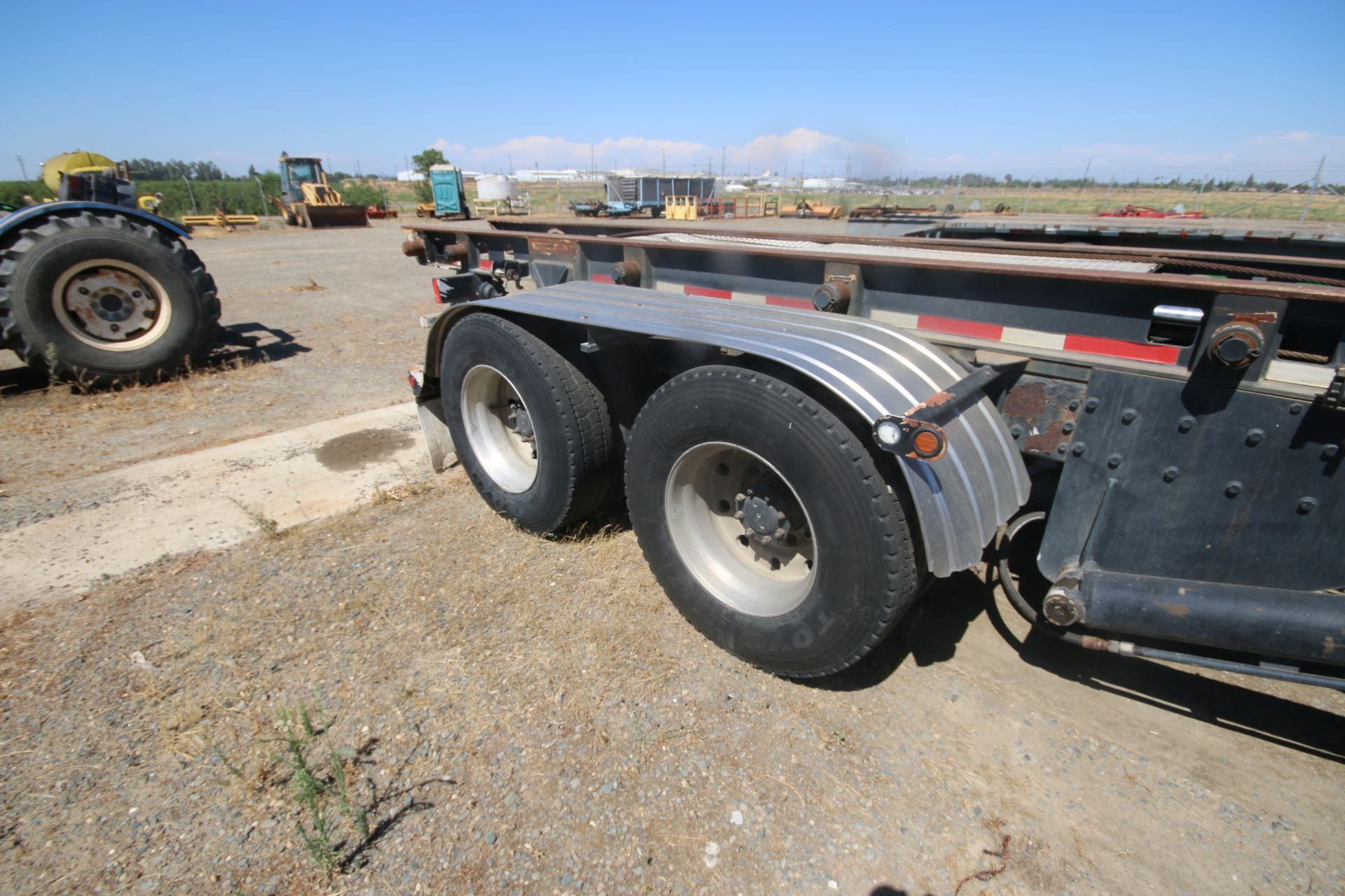 1996 Kenworth 3-Axle Roll-Off Straight Truck, VIN #: 1XKDDB9XOTS687107, with 24,722 Miles, License - Image 27 of 30