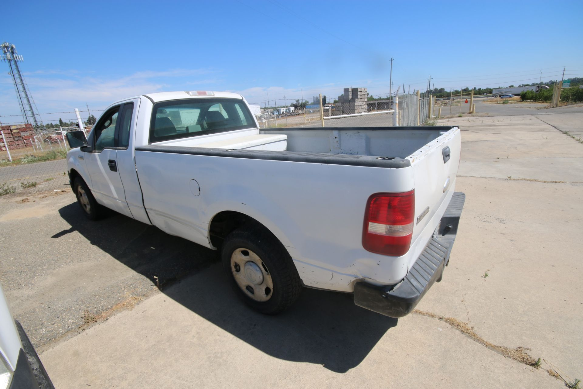 2006 Ford F150 L/B Pick Up Truck, VIN #: 1FTRF12256NA38863, with 167,638 Miles, Started Up as of - Image 10 of 18
