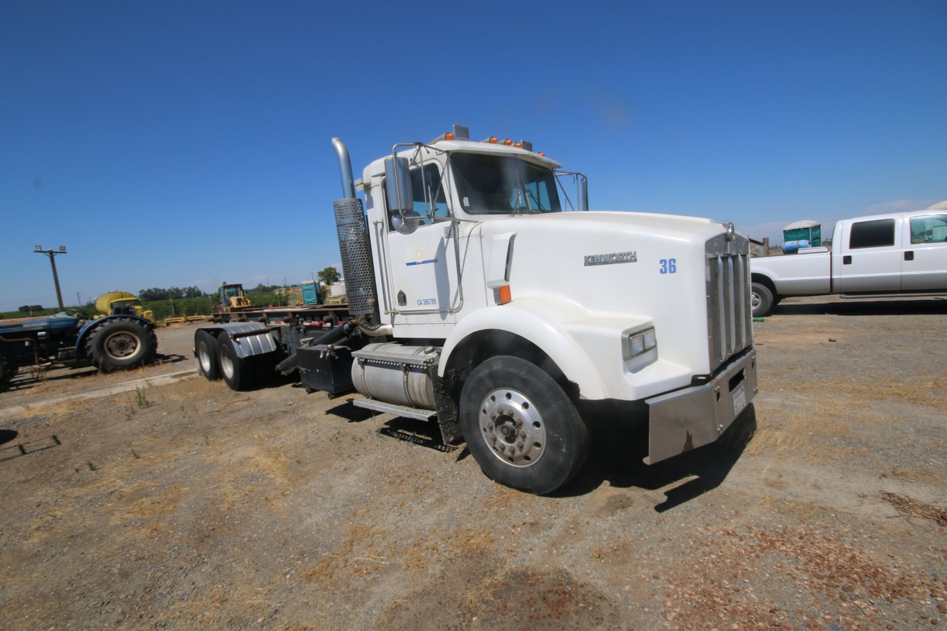 1996 Kenworth 3-Axle Roll-Off Straight Truck, VIN #: 1XKDDB9XOTS687107, with 24,722 Miles, License - Image 2 of 30