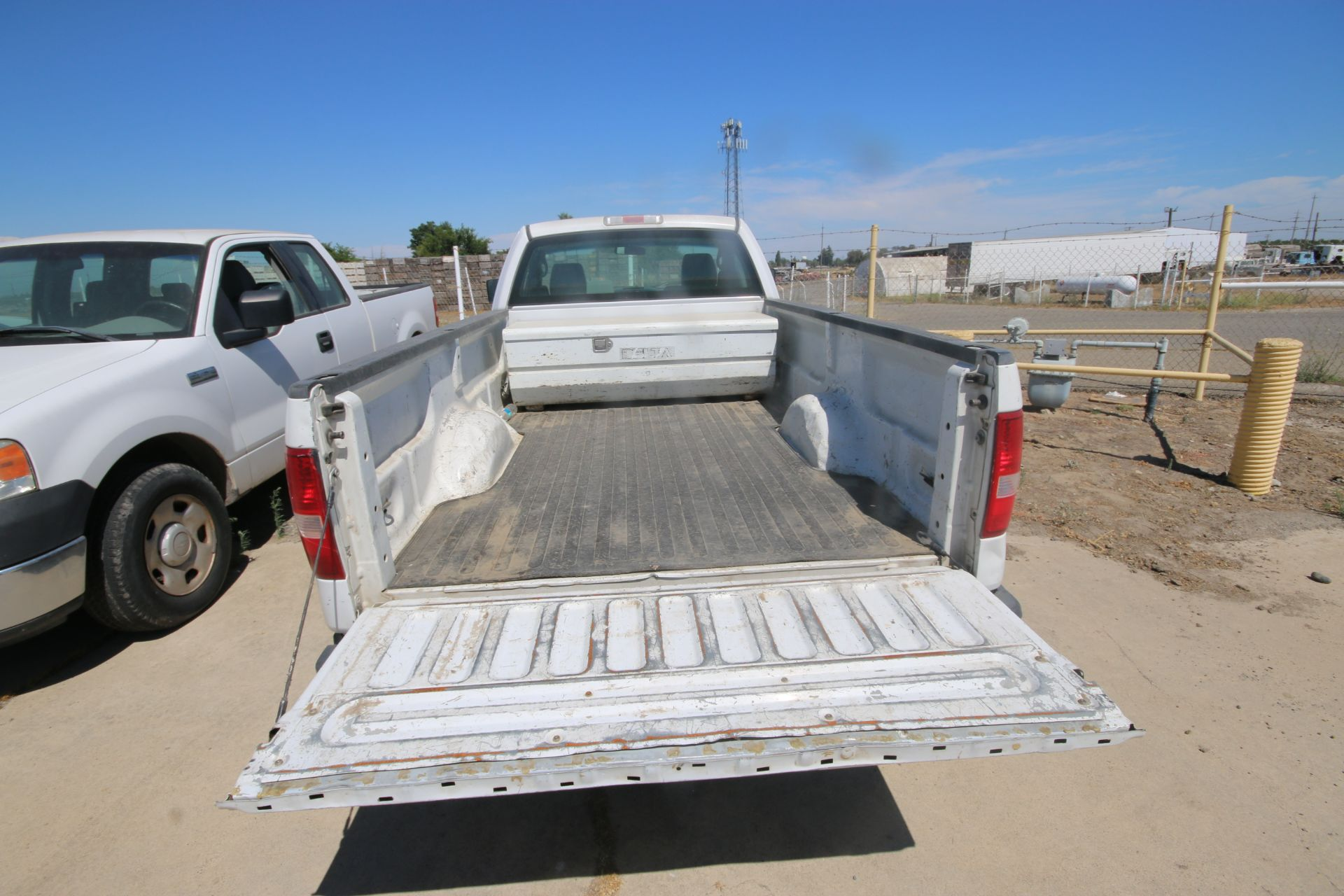 2006 Ford F150 L/B Pick Up Truck, VIN #: 1FTRF12256NA38863, with 167,638 Miles, Started Up as of - Image 9 of 18