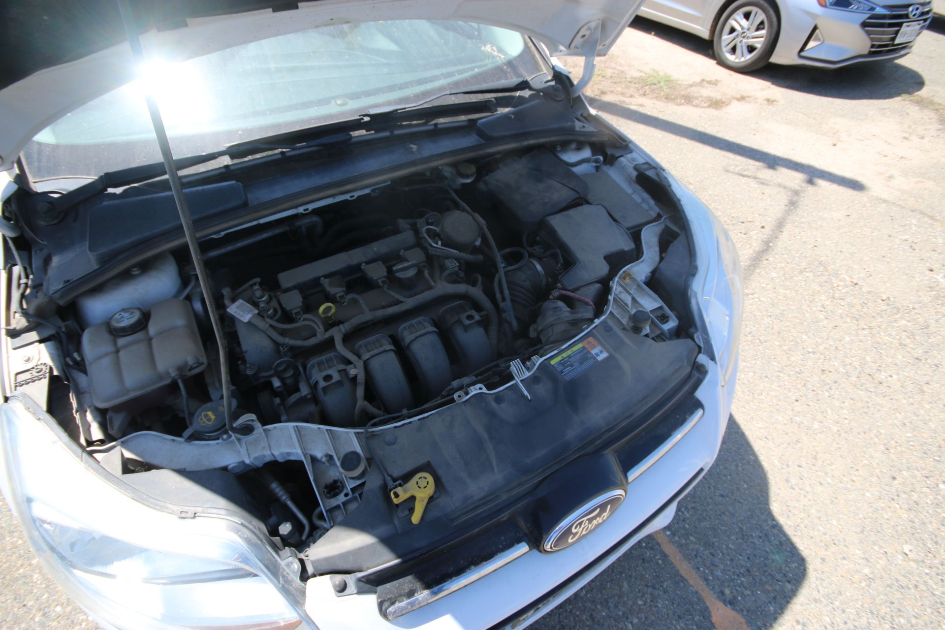 2012 White Ford Focus SE Hatchback 4D, VIN #: 1FAHP3K27CL423326, with 116,017 Miles, with 4-Doors, - Image 26 of 26