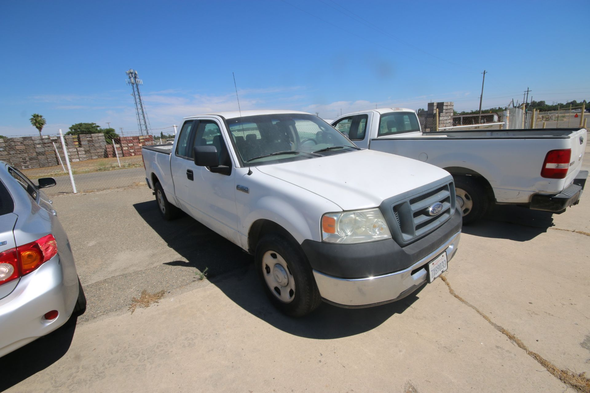 2006 Ford F150 S/C Pick Up Truck, VIN #: 1FTRX12W46FA38458, with 233,106 Miles, Started Up as of - Image 2 of 21
