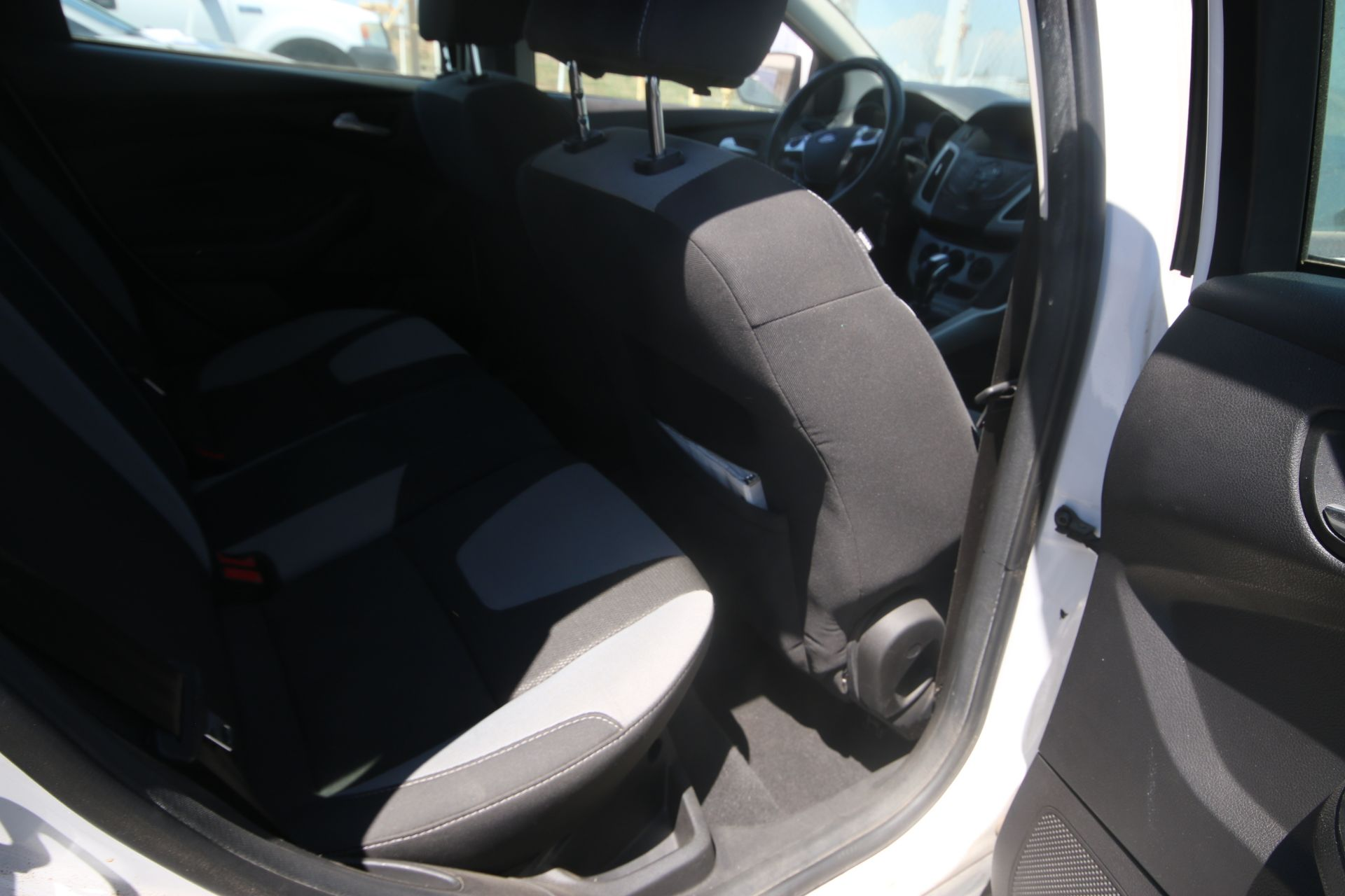 2012 White Ford Focus SE Hatchback 4D, VIN #: 1FAHP3K27CL423326, with 116,017 Miles, with 4-Doors, - Image 15 of 26