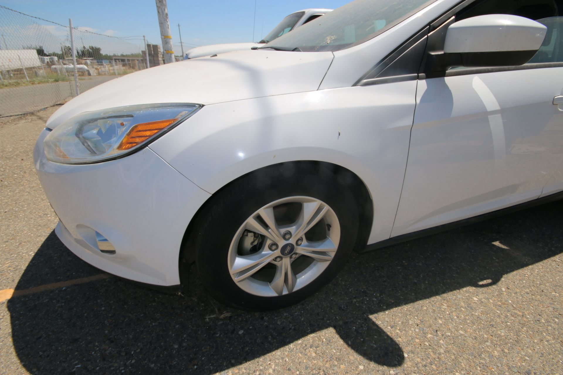 2012 White Ford Focus SE Hatchback 4D, VIN #: 1FAHP3K27CL423326, with 116,017 Miles, with 4-Doors, - Image 14 of 26