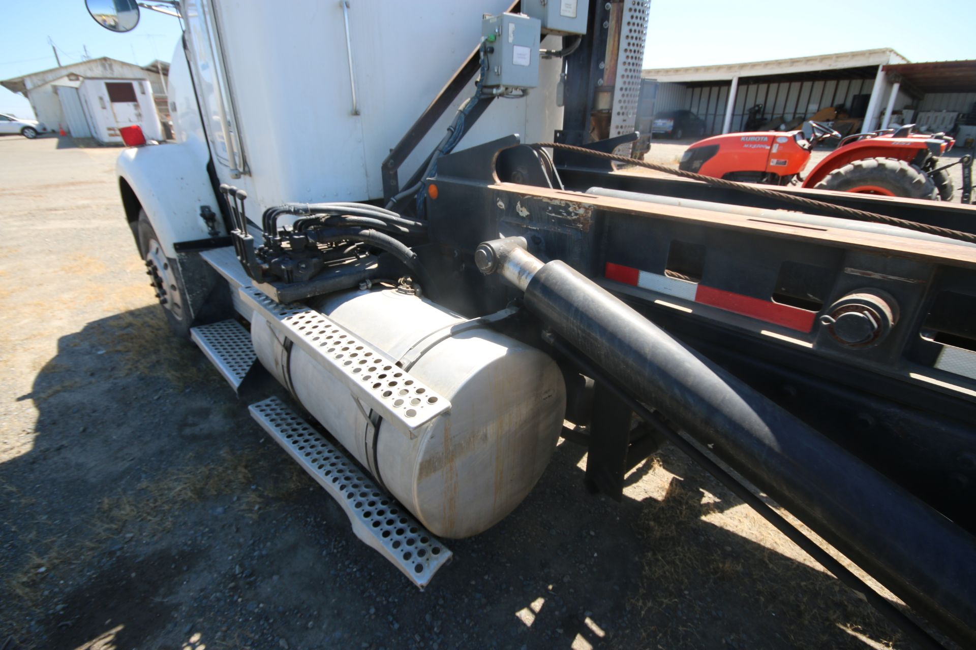 1996 Kenworth 3-Axle Roll-Off Straight Truck, VIN #: 1XKDDB9XOTS687107, with 24,722 Miles, License - Image 11 of 30