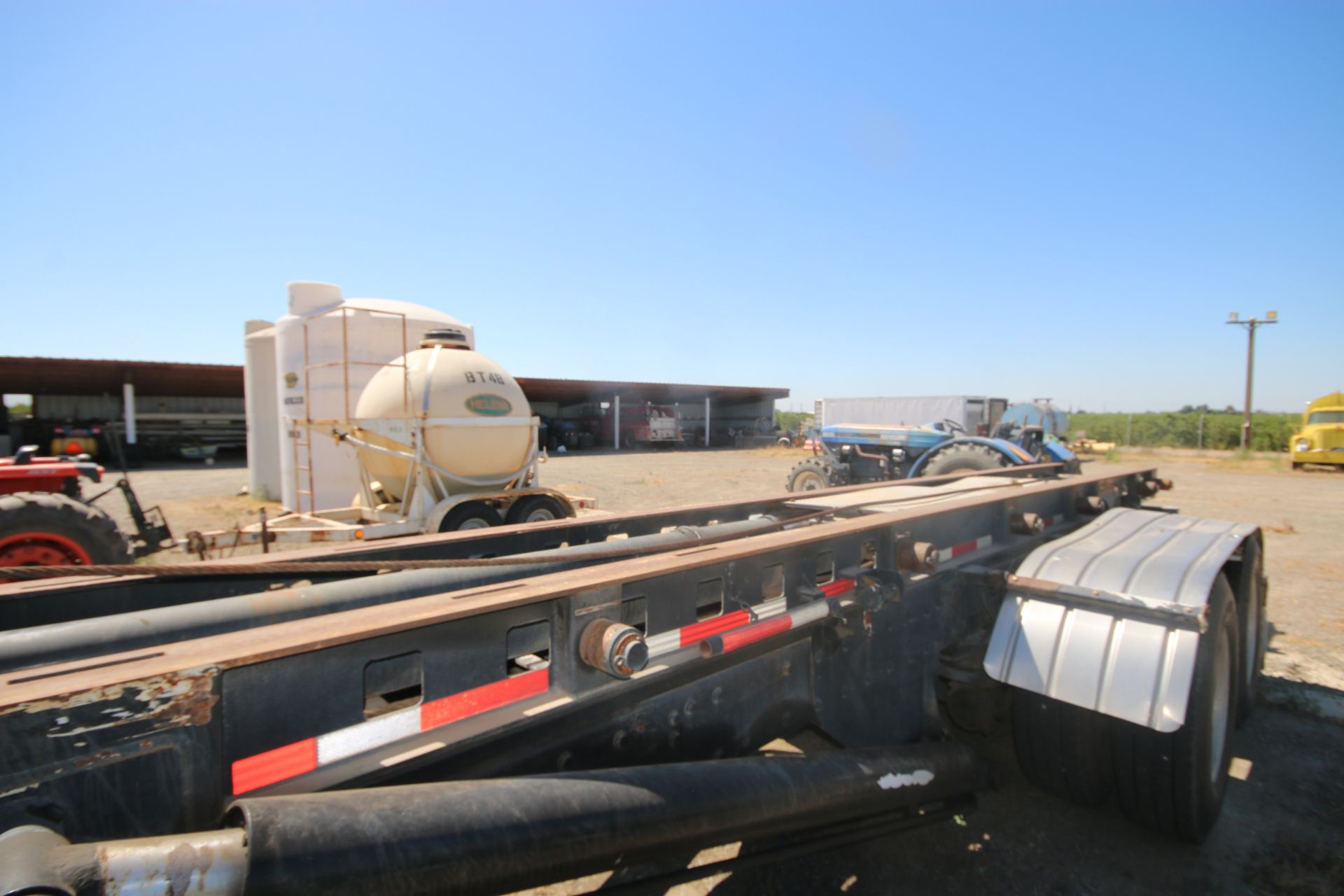 1996 Kenworth 3-Axle Roll-Off Straight Truck, VIN #: 1XKDDB9XOTS687107, with 24,722 Miles, License - Image 9 of 30