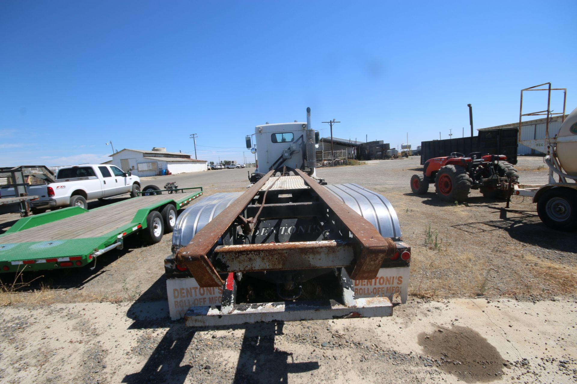 1996 Kenworth 3-Axle Roll-Off Straight Truck, VIN #: 1XKDDB9XOTS687107, with 24,722 Miles, License - Image 5 of 30