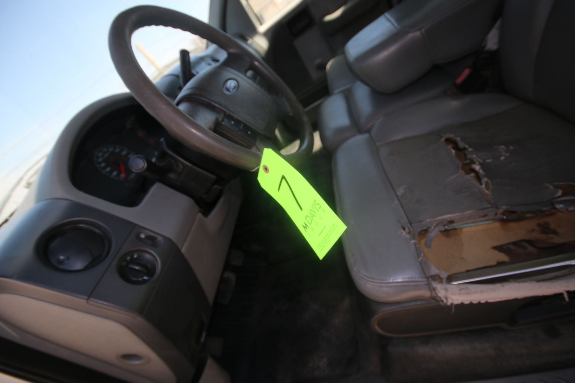 2006 Ford F150 L/B Pick Up Truck, VIN #: 1FTRF12256NA38863, with 167,638 Miles, Started Up as of - Image 7 of 18