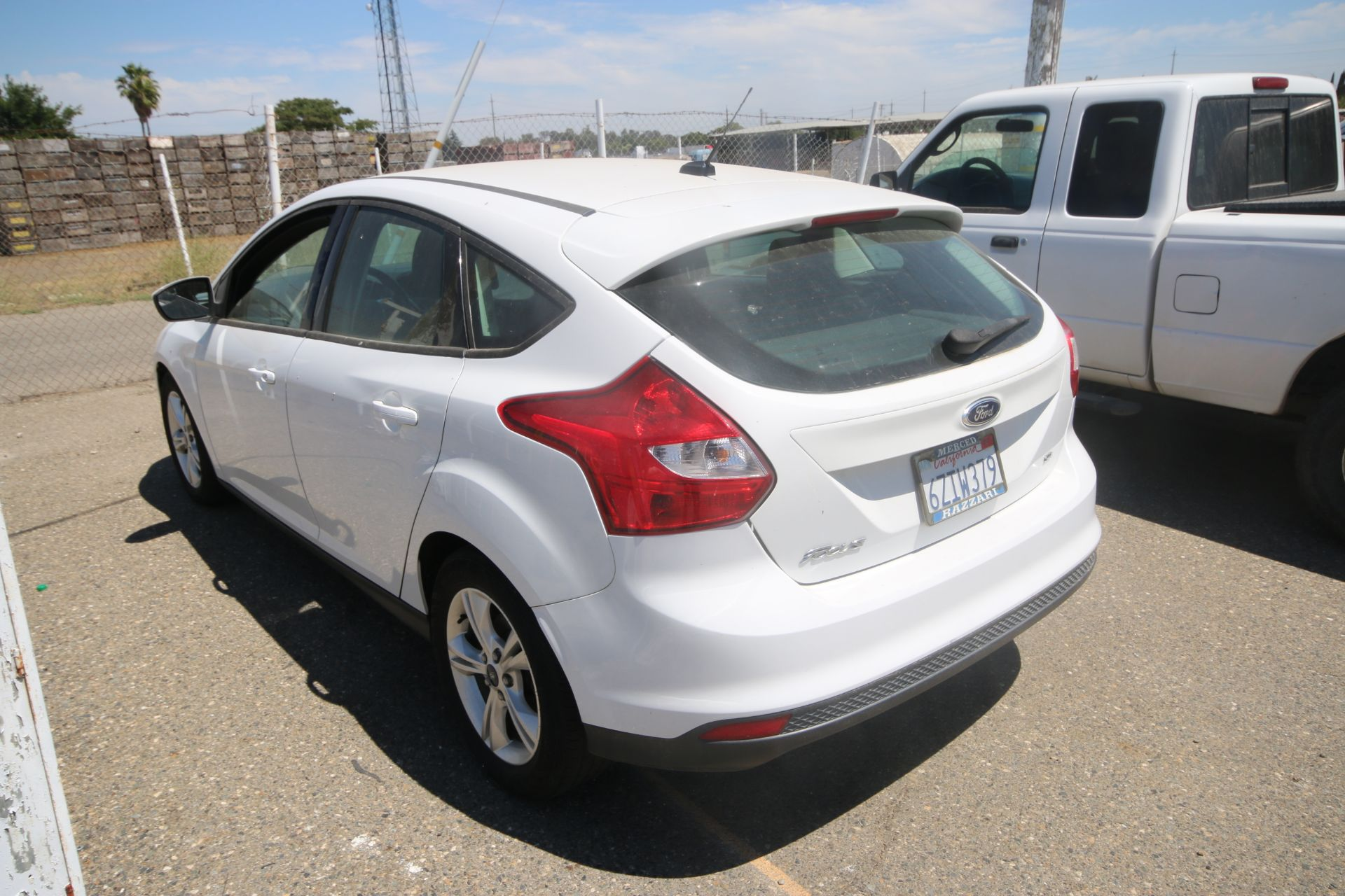 2012 White Ford Focus SE Hatchback 4D, VIN #: 1FAHP3K27CL423326, with 116,017 Miles, with 4-Doors, - Image 4 of 26
