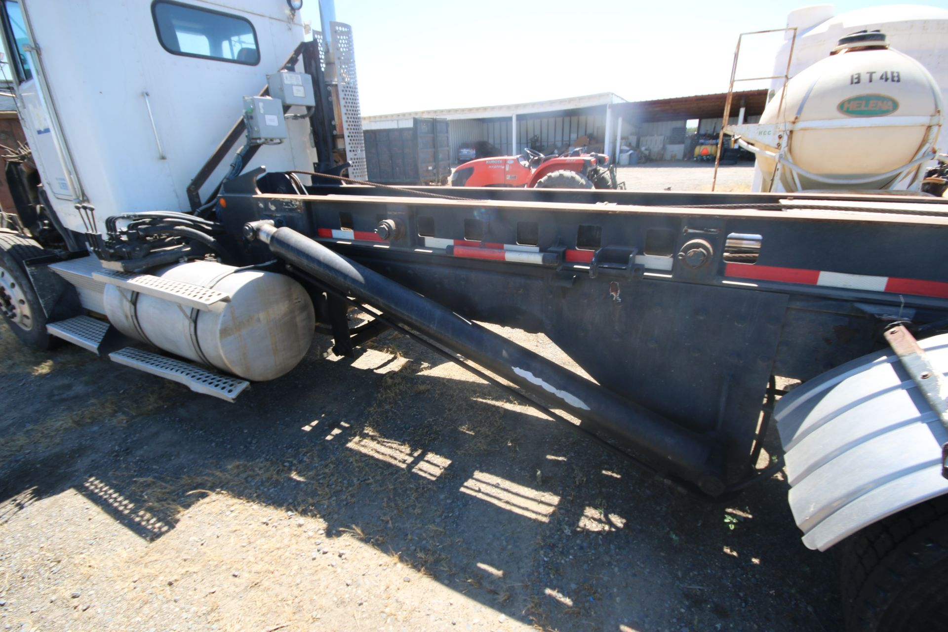 1996 Kenworth 3-Axle Roll-Off Straight Truck, VIN #: 1XKDDB9XOTS687107, with 24,722 Miles, License - Image 29 of 30