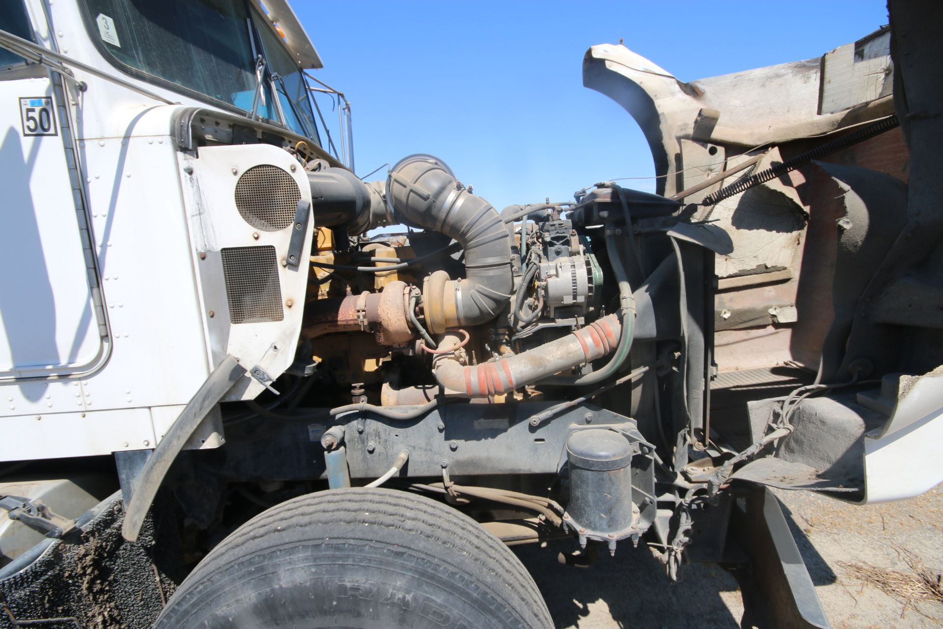 1996 Kenworth 3-Axle Roll-Off Straight Truck, VIN #: 1XKDDB9XOTS687107, with 24,722 Miles, License - Image 7 of 30