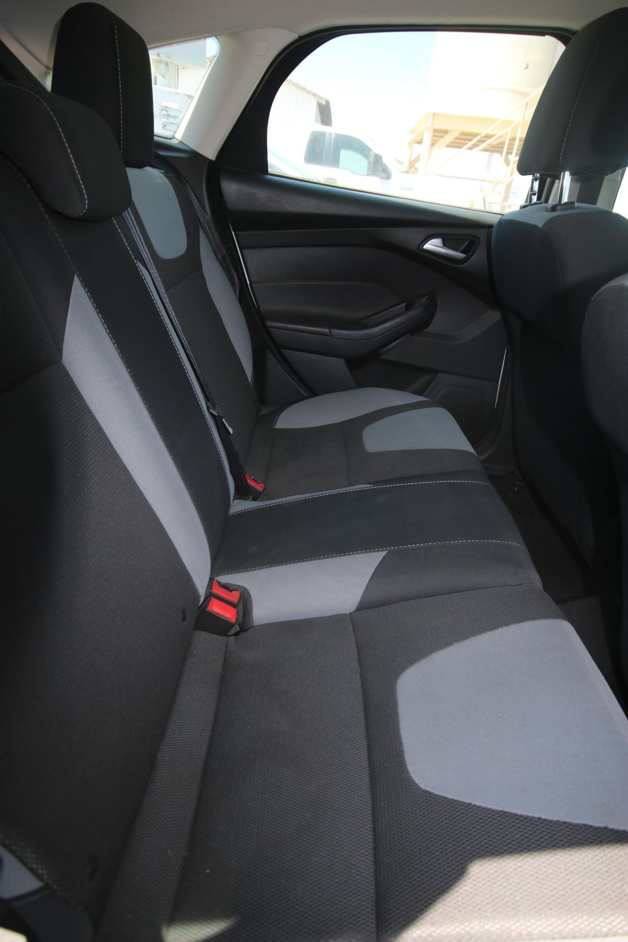 2012 White Ford Focus SE Hatchback 4D, VIN #: 1FAHP3K27CL423326, with 116,017 Miles, with 4-Doors, - Image 6 of 26