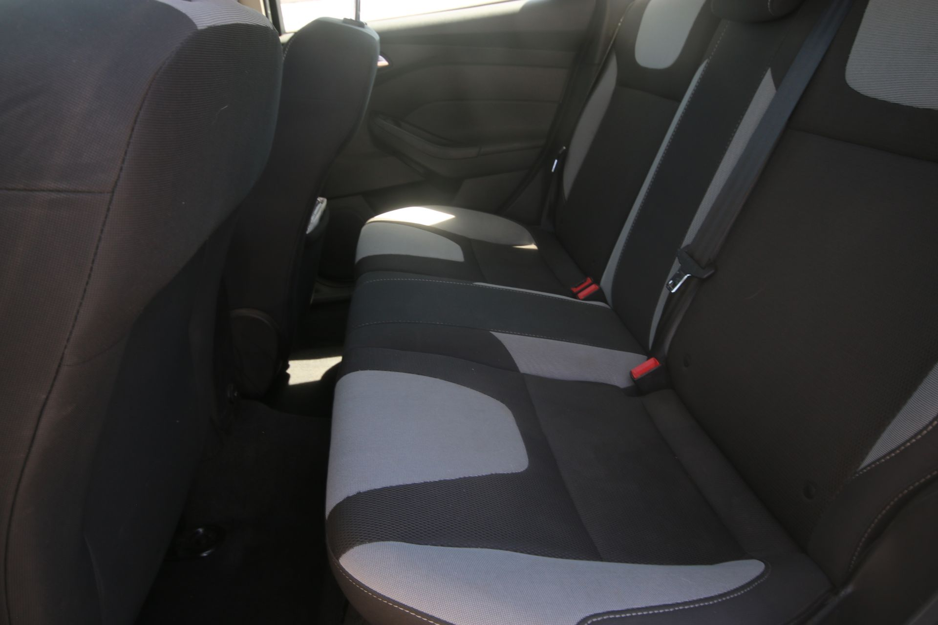 2012 White Ford Focus SE Hatchback 4D, VIN #: 1FAHP3K27CL423326, with 116,017 Miles, with 4-Doors, - Image 23 of 26