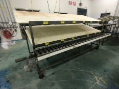 S/S PACK-OFF TABLE WITH ROLLER CONVEYOR, PORTABLE/MOUNTED ON CASTERS, UMHW CUTTING BOARD TOP AND