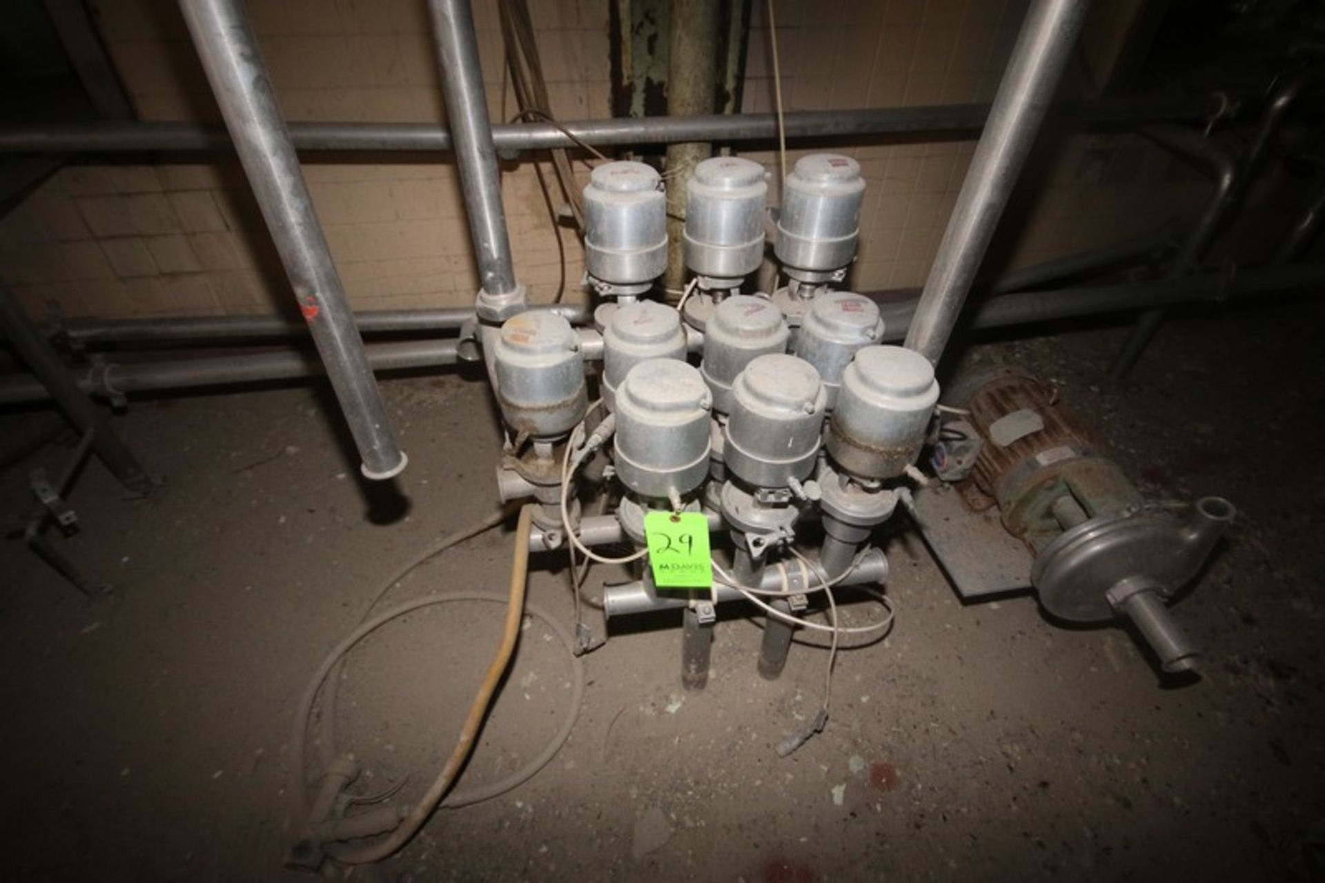 "Cluster of (10) 2"" Clamp Type S/S Air Valves (LOCATED IN Muenster, TX)"