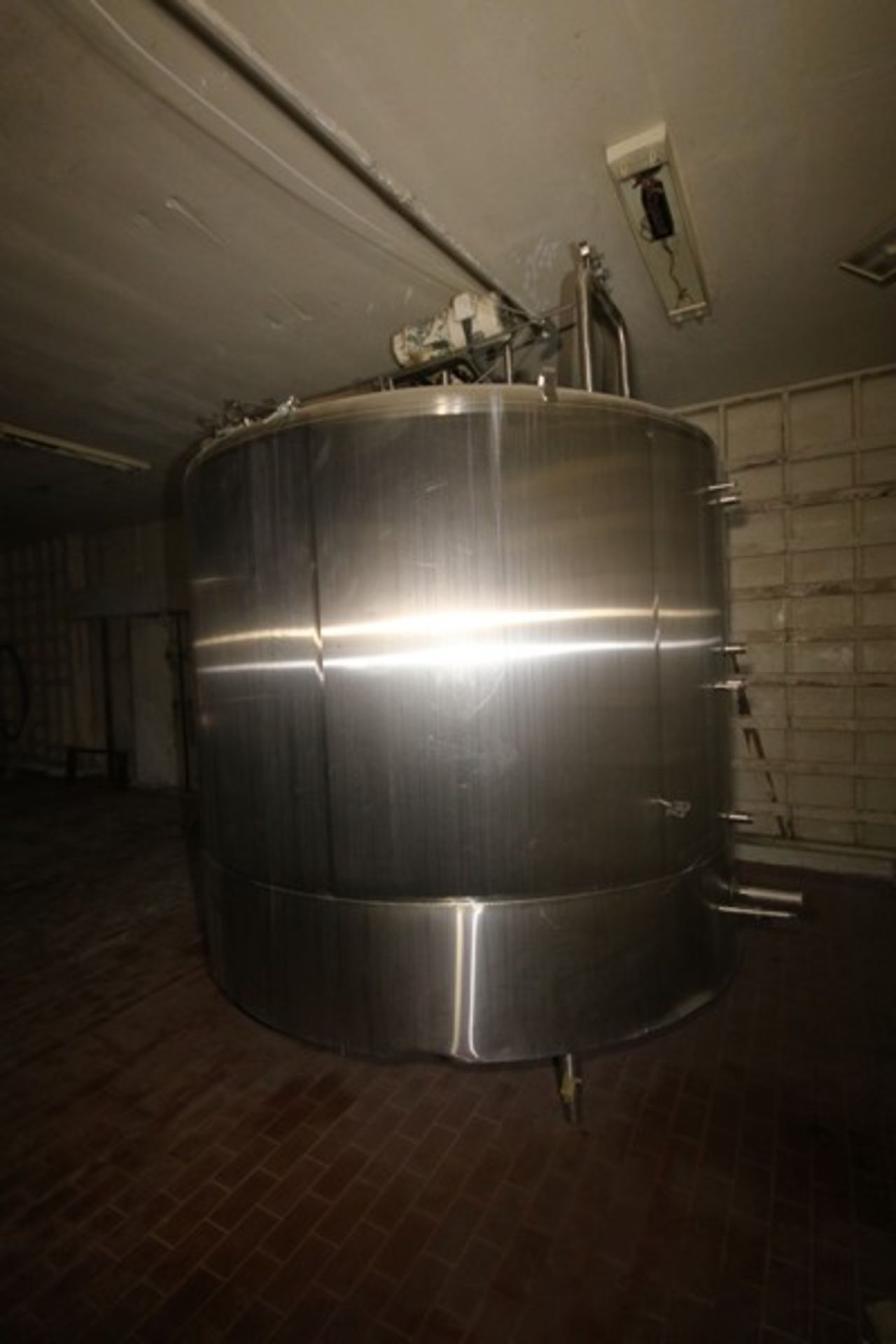 "Mueller Aprox. 2,000 Gal. S/S Processor, Processor Dims.: Aprox. 8' Diameter x 62"" Straight Side - Image 3 of 10"