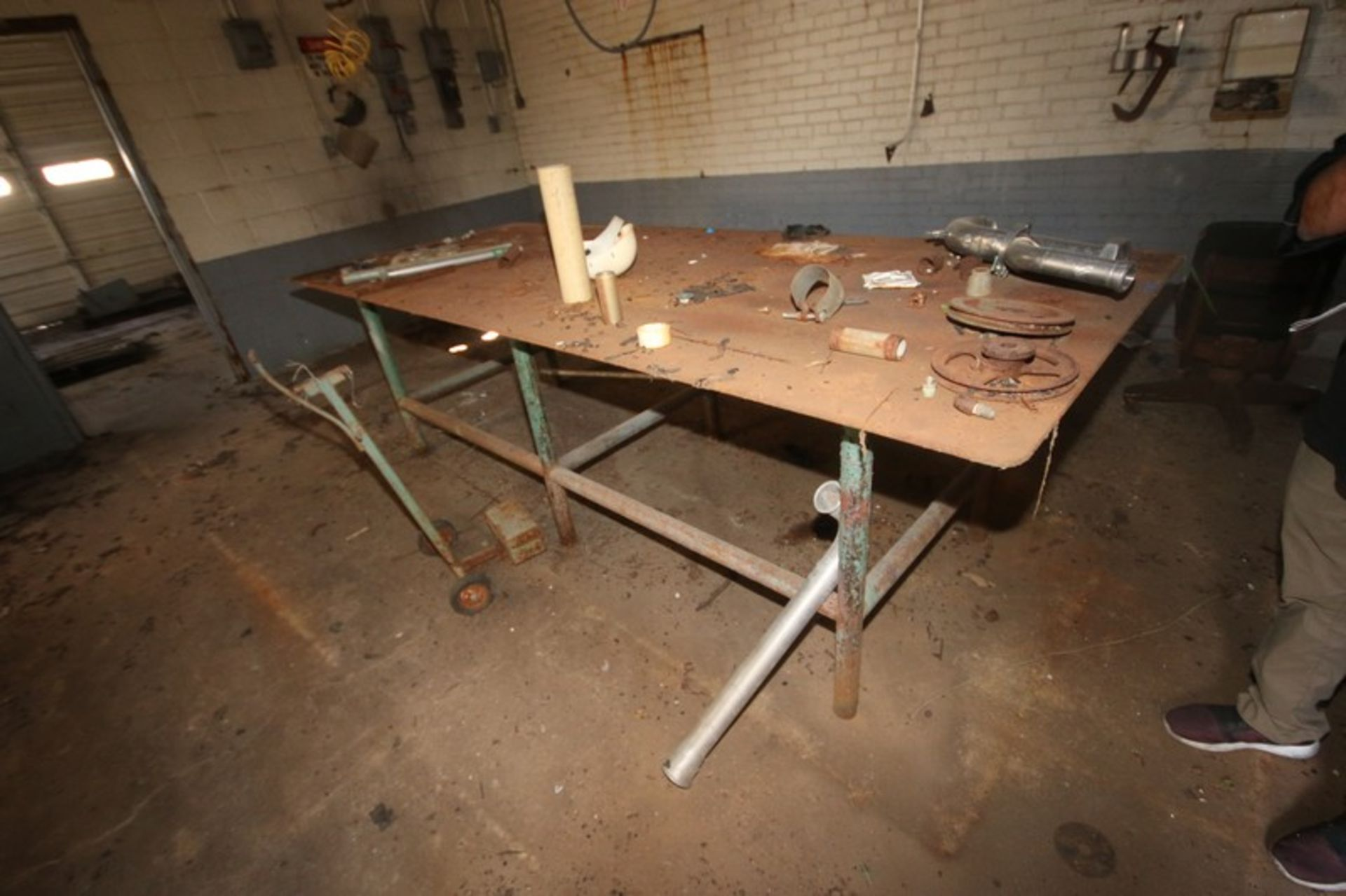 Metal Welding Table, Overall Dims.: Aprox. 4' x 10' (LOCATED IN Muenster, TX)