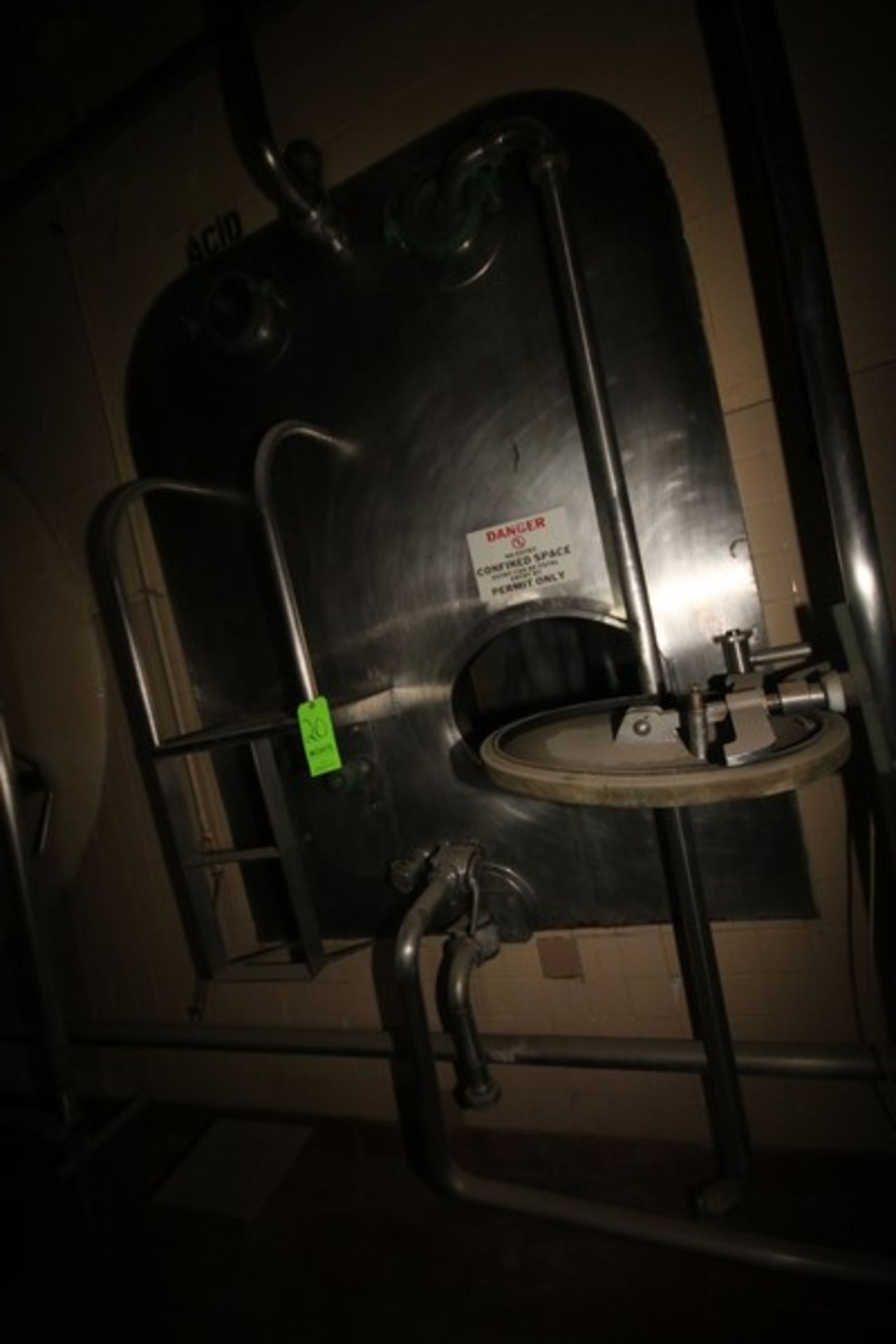 """Aprox. 1,500 Gal. S/S Acid Tank, Tank Dims.: Aprox. 58"""" Wide x 72"""" Long x 96"""" Tall, with Bottom S/ - Image 2 of 6"""