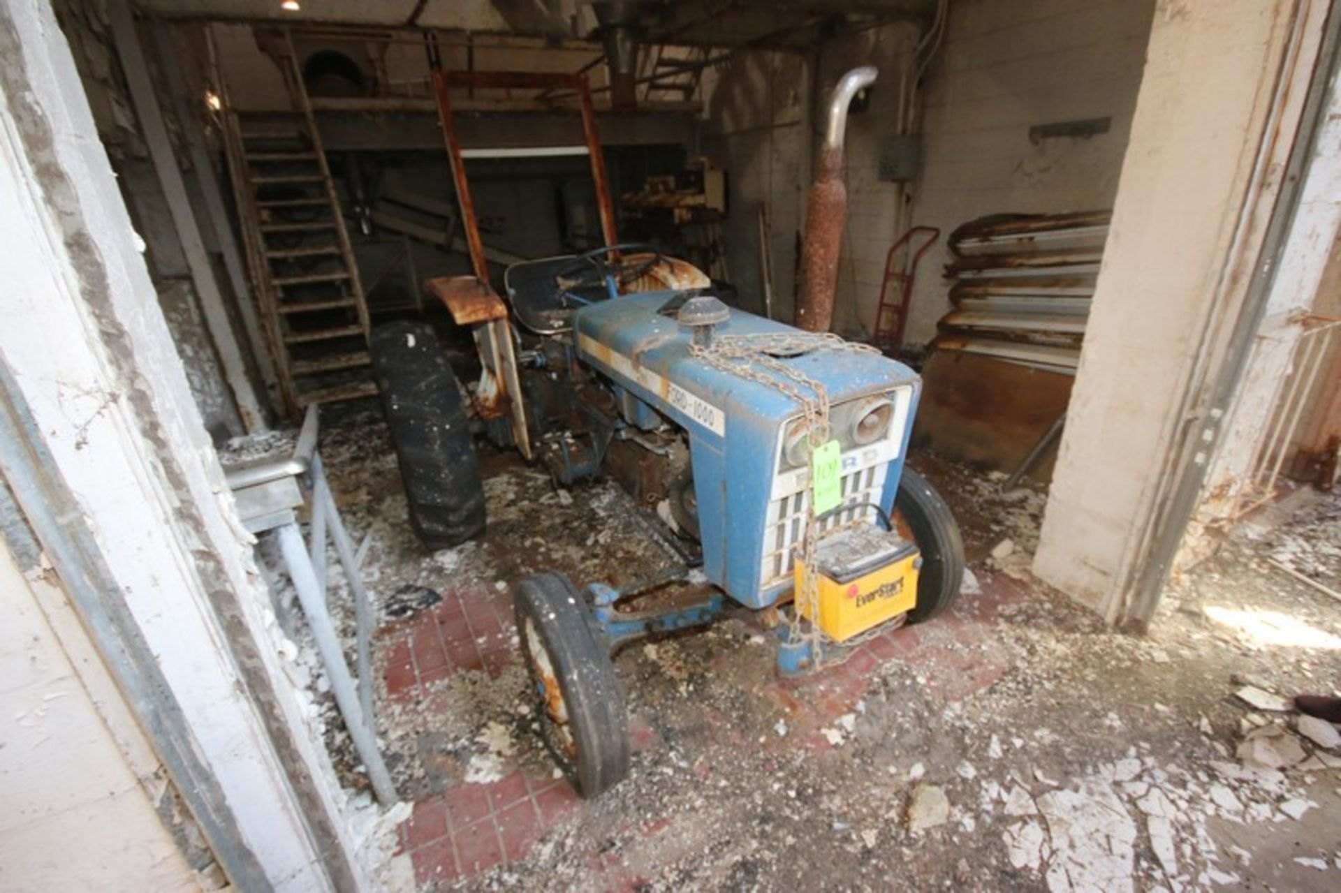 Ford 1000 Tractor with Rear Mower Attachment (LOCATED IN Muenster, TX)