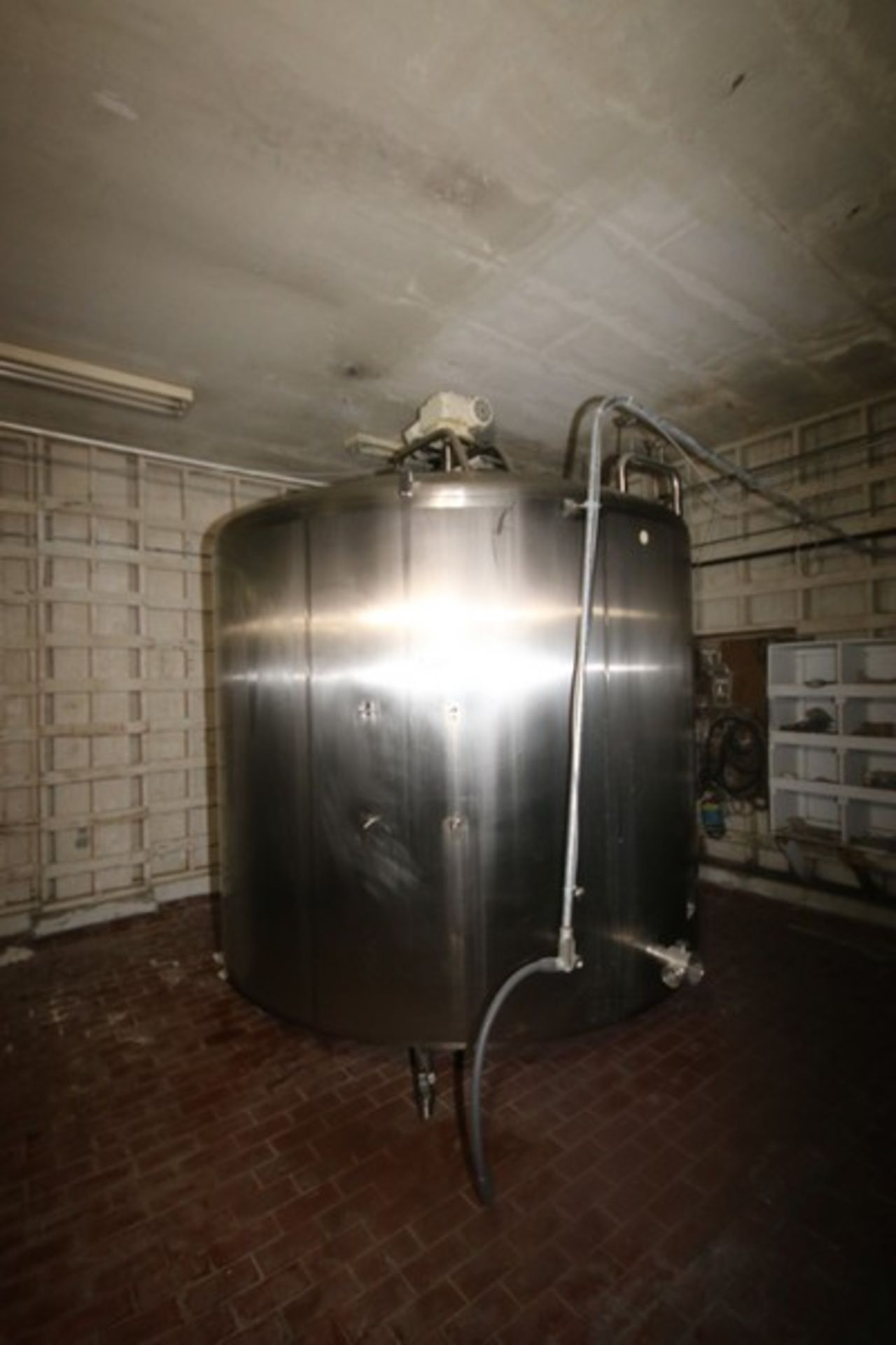 """Mueller Aprox. 2,000 Gal. S/S Processor, Processor Dims.: 8' Diameter x 62"""" Straight Side with"""