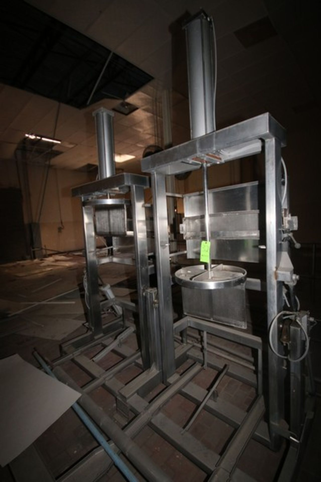 Dual Air Operated Dewatering Cheese Press (LOCATED IN Muenster, TX)
