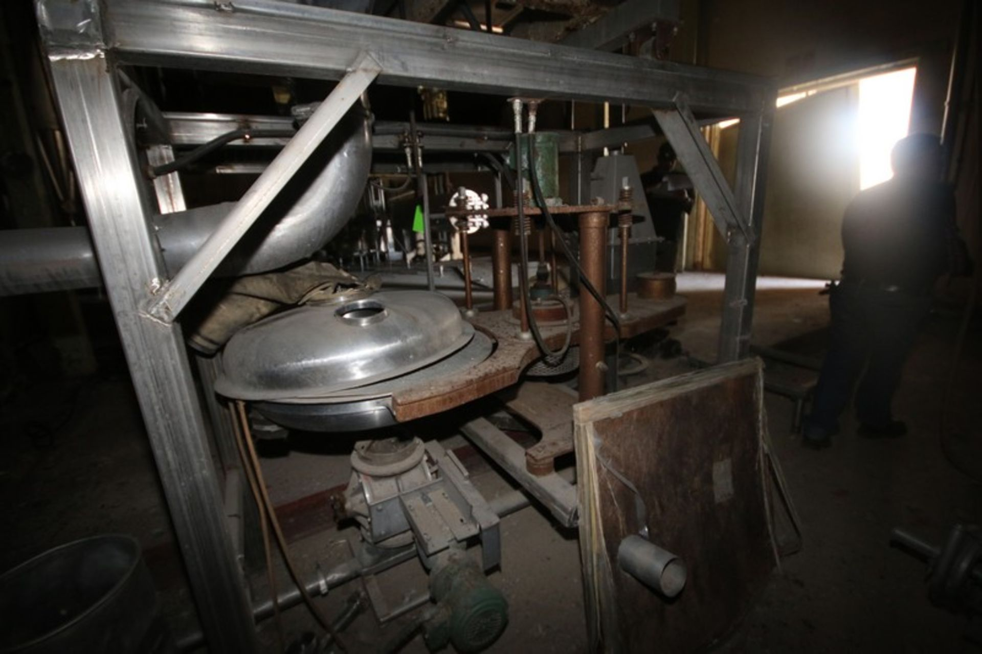 """Fitzpatrick Fitzmill, M/N DASO12, with Aprox. 36"""" Pedestal Sifter & Rotary Airlock Valve (LOCATED IN - Image 8 of 10"""