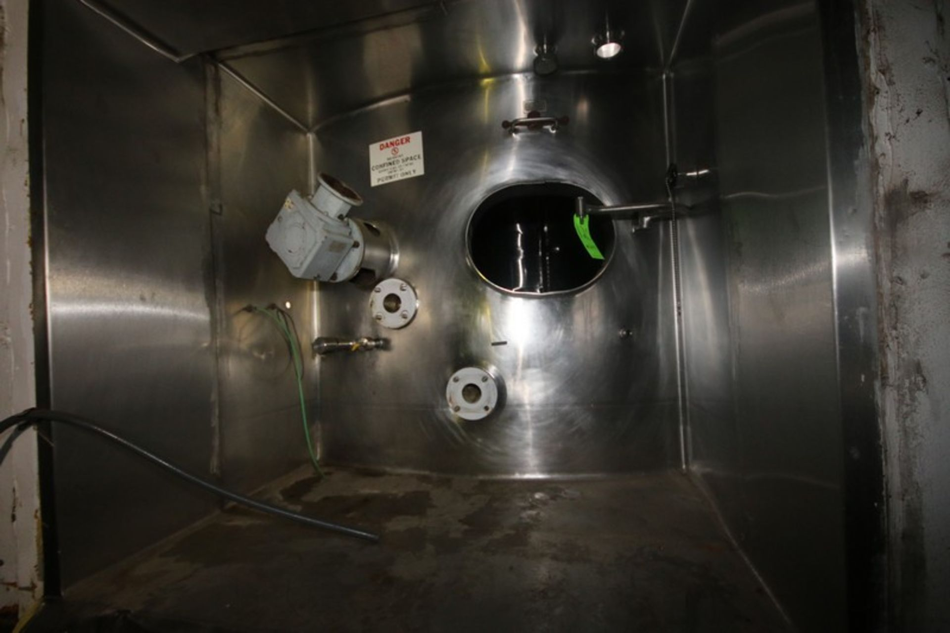 Aprox. 20,000 Gal. S/S Silo, Silo Dims.: Aprox. 11' Dia. x 30' Tall, with Inverted Dish Bottom, - Image 5 of 14